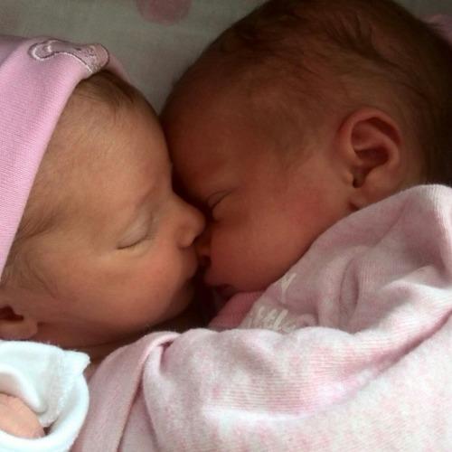 Tweeling Emma en Tess